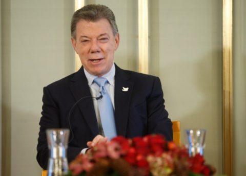 Hay obstáculos jurídicos en revocatorio a Santos: presidente víctimas de Farc