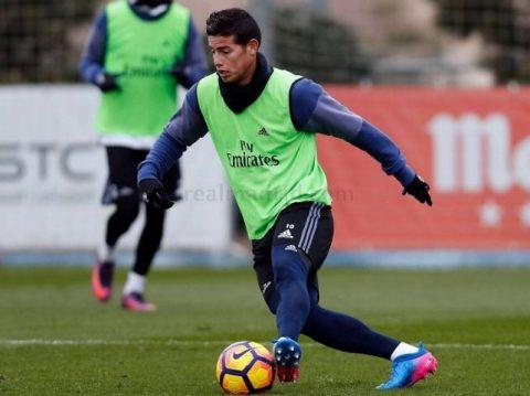 James Rodríguez está recuperado y va por la titularidad ante el Osasuna