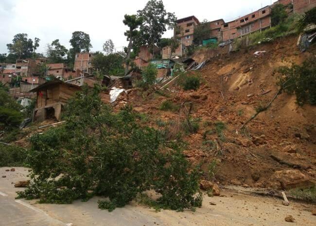 Aumenta a 30 las familias damnificadas en Floridablanca y Giron por lluvias