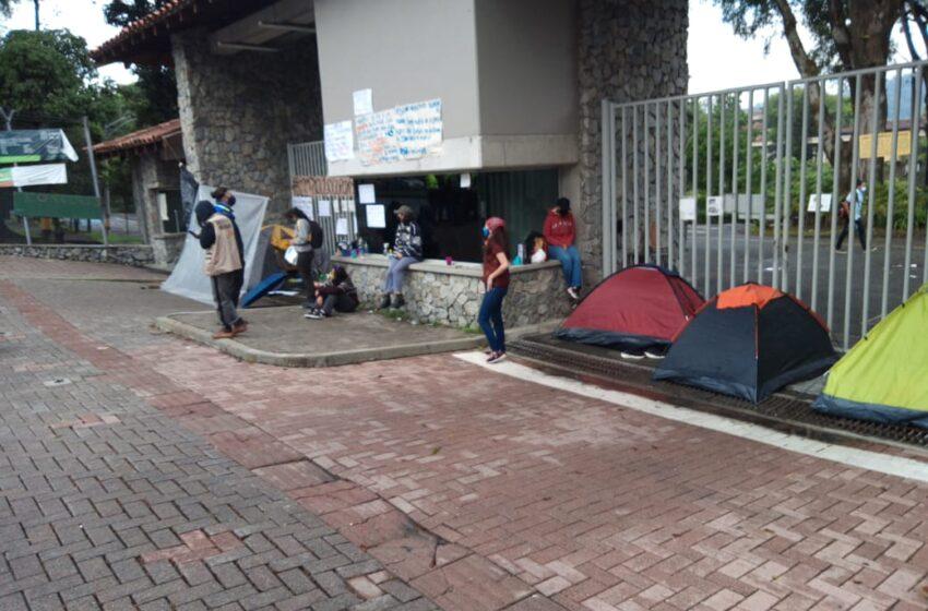 Cuatro estudiantes en huelga de hambre en la U. de Antioquia para pedir matrícula gratis