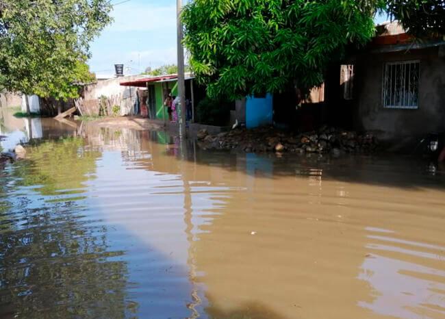 Torrencial aguacero dejó 35 barrios bajo el agua en La Guajira