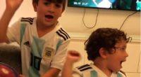 Mateo Messi celebra un gol que no fue y Luis Suárez aprovecha para reírse de él