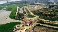 Quedó instalado primer puente móvil de Colombia en el gran Malecón del Río