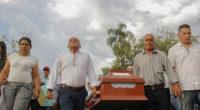 En medio de dolor y lágrimas, cientos de personas despidieron a Karina García en Cauca
