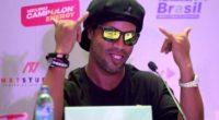 ¡Hora de la magia! El video con el que Ronaldinho saluda llegando a Colombia