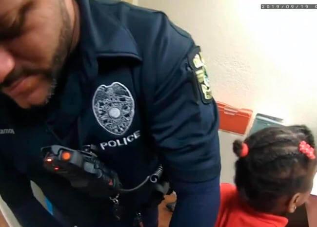 Video: policía arrestó a niña de 6 años por una pataleta en Florida, EE.UU.