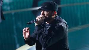Estruendosa ovación a Eminem por su presentación sorpresa en los Óscar