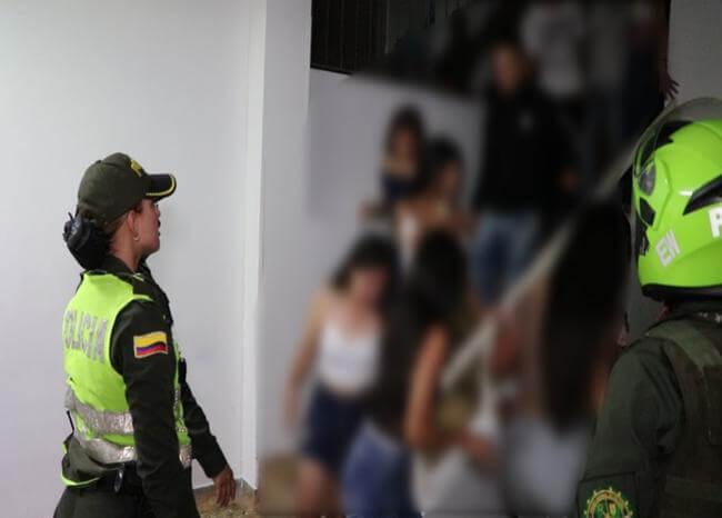 Descubren 150 niños en 'chiquiteca' en la que había armas y drogas en Floridablanca