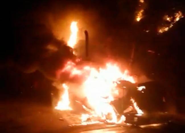 EPL quema varias tractomulas en la vía Cúcuta – Ocaña; hay amenaza de paro armado