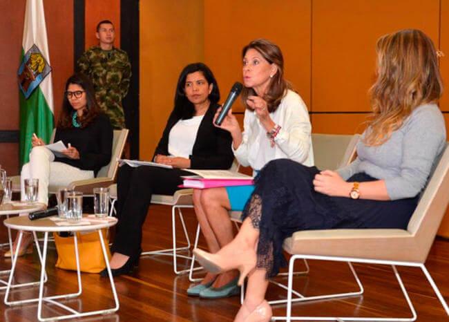 En Colombia hay demasiadas psicólogas y sociólogas: Marta Lucía Ramírez