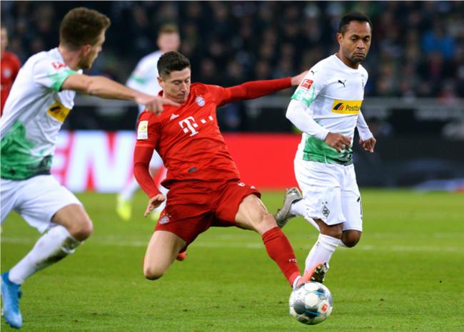 Bundesliga seguirá suspendida hasta el 30 de abril, se estudia jugar a puerta cerrada