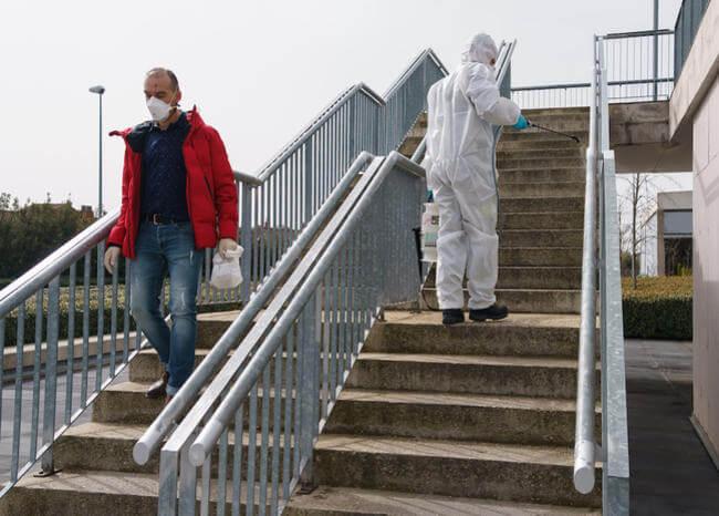 España supera muertes de China por coronavirus con 3.434