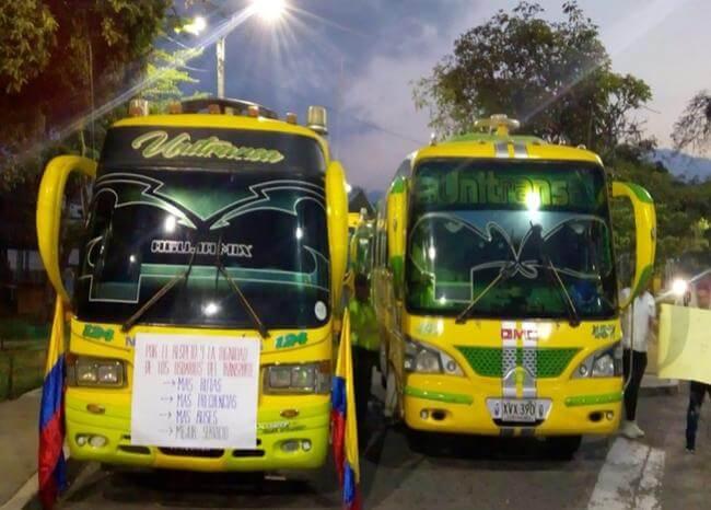 Caos vehicular por paro de buses urbanos en Bucaramanga