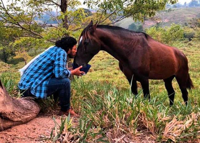En el campo: así es como René Huguita pasa la cuarentena por el COVID-19 en Colombia