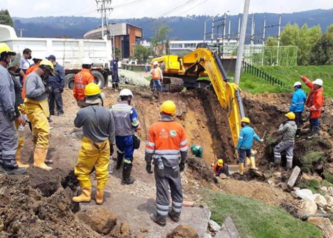 Servicio de agua se restablece en Chía tras daño en tubo madre