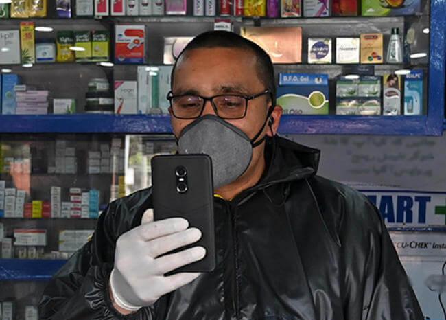 Fabricante de celulares crea sistema de reconocimiento facial con tapabocas