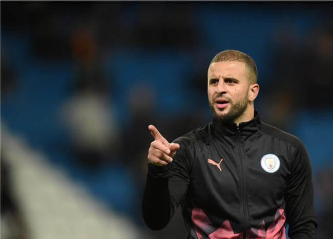 """Manchester City sancionaría a Walker por una """"fiesta sexual"""" durante cuarentena"""