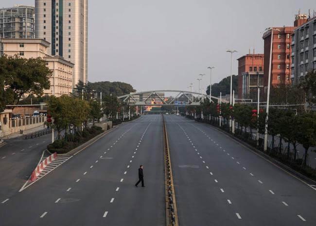 Diario sobre la cuarentena en Wuhan desata la ira de nacionalistas chinos
