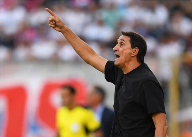 Alexandre Guimarães no cierra la puerta a seguir al frente del América de Cali