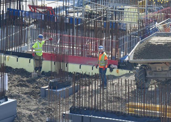 Un 70 u 80 % de obras en el país se reactivaron: constructor Pablo Echeverri