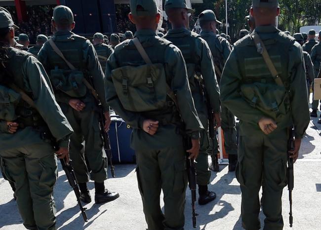 Maduro despliega 25.000 hombres en búsqueda de «mercenarios» tras ataque frustrado