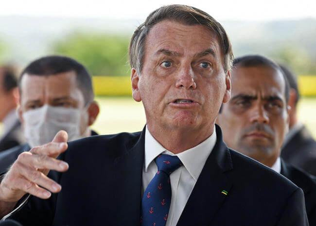 COVID-19: la 'gripita' de Bolsonaro ya cobra casi 27.000 muertos en Brasil