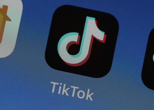 Colombia investigará a TikTok por manejo de datos de niños y adolescentes