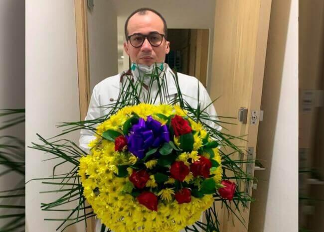 Es absurdo tener que salir sin uniforme para proteger la vida: médico José Julián Buelvas