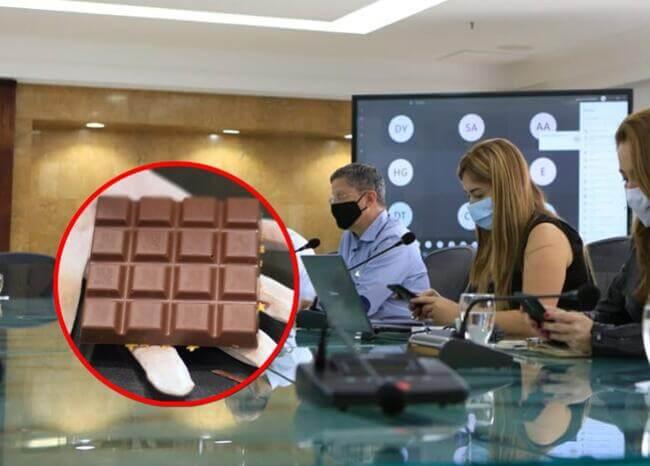 Gobernador (e) de Antioquia cree que se contagió de COVID-19 por una chocolatina