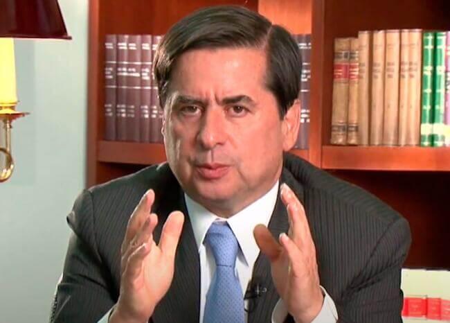 Teoría de conspiración sobre reunión con Santos es divertidísima: Juan Fernando Cristo