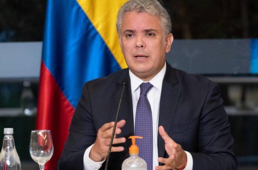 """Digo """"nuestra procuradora"""" porque solamente hay una, es de todos los colombianos: Duque"""