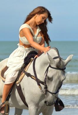 Paola Jara lanza el video oficial de su canción «No me preguntes»