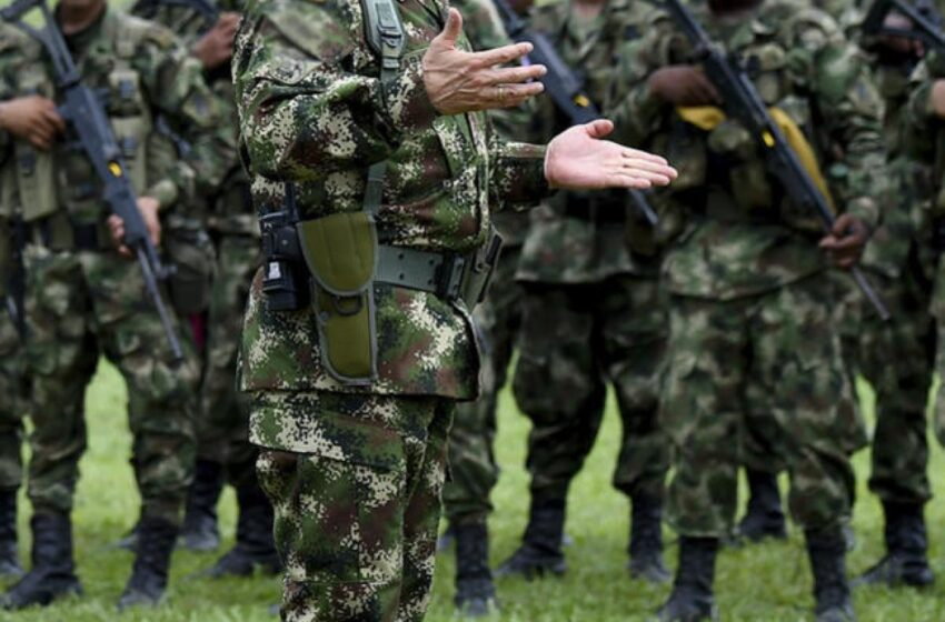 120 militares colombianos que llegaron de Egipto tienen COVID-19, 10 de la cepa británica