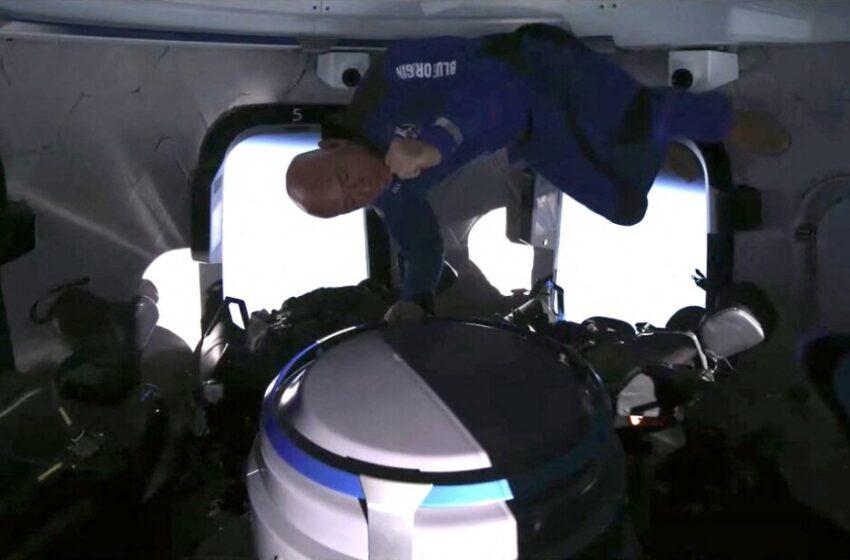 Video: así fue, minuto a minuto, el viaje de Jeff Bezos al espacio