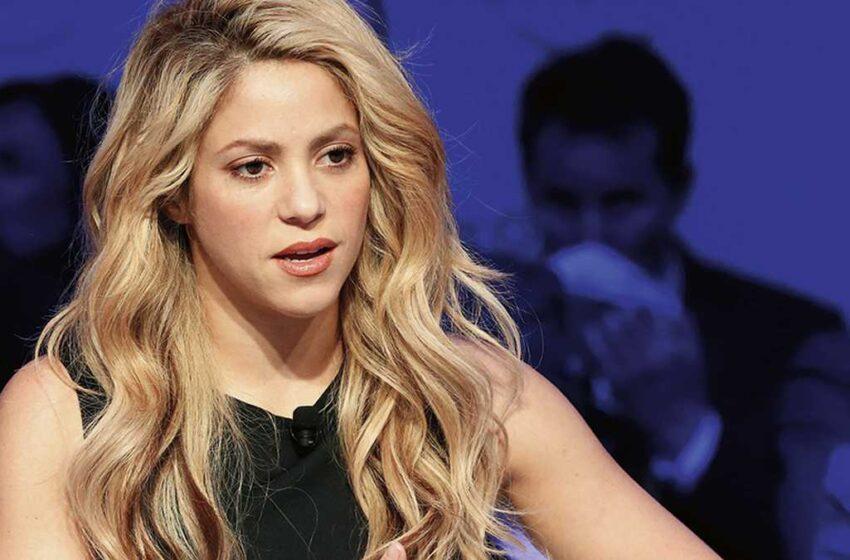 Derroche de sensualidad: Shakira posó con escotado traje de baño y dejó a más de uno enamorado